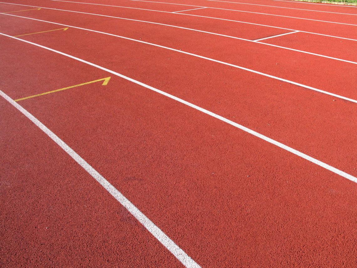 Hardlopen-atletiek-baan-sport